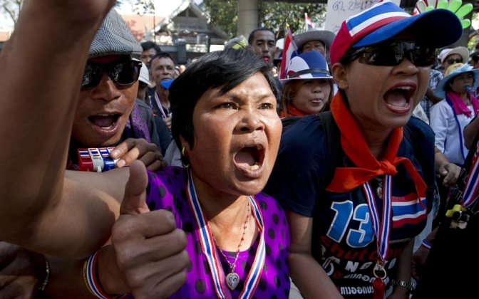 Democrat's mad dogs unleash violence around Bangkok's voting stations